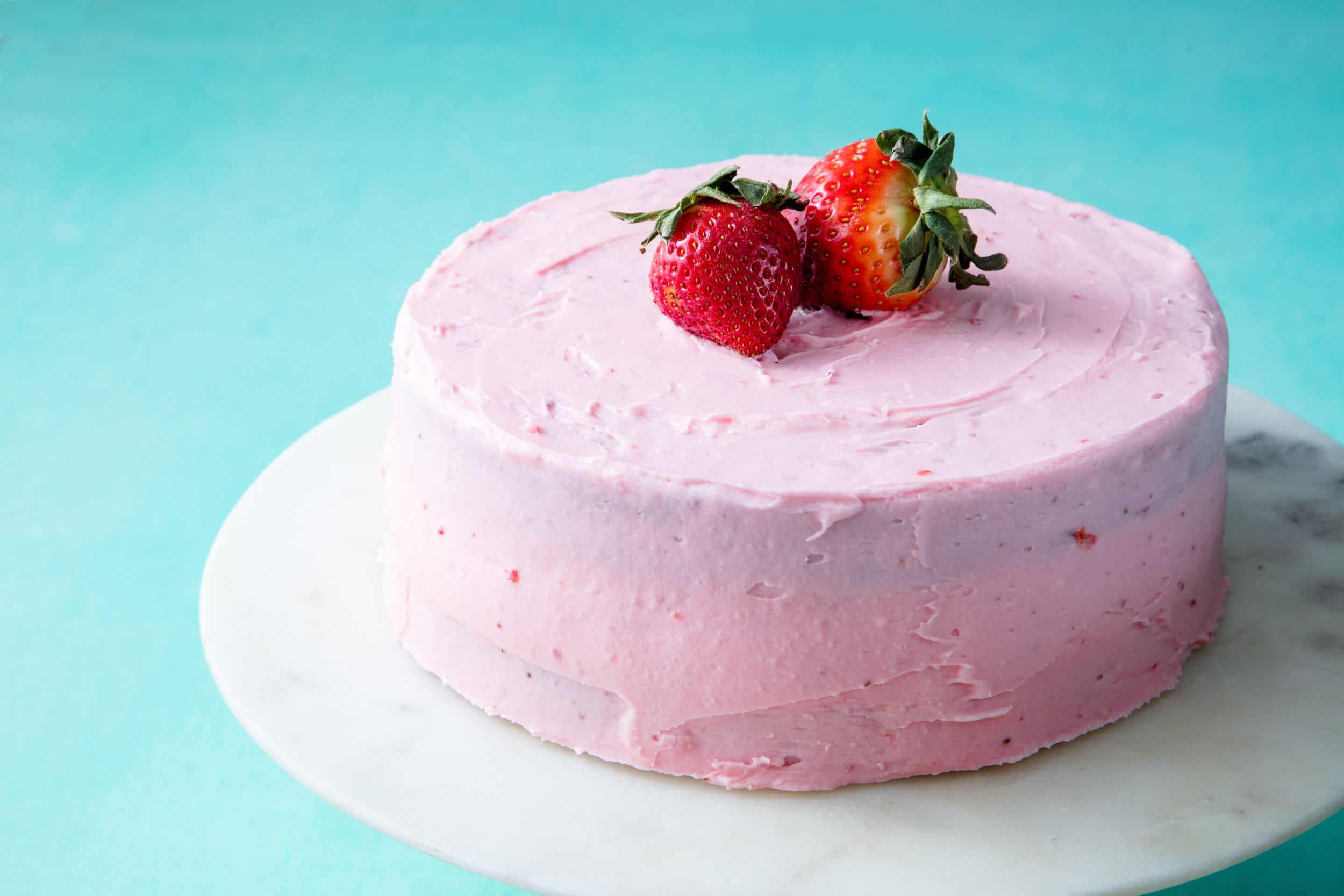 Fresh Strawberry Cake With Strawberry Buttercream - Know More